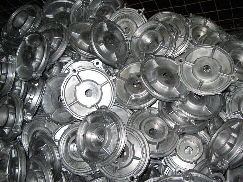 Для чего в алюминиевом литье используется давление?