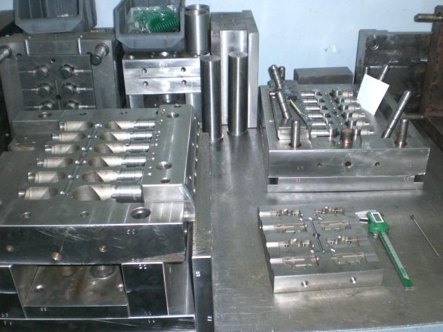 Пресс-формы для литья по чертежам заказчика.